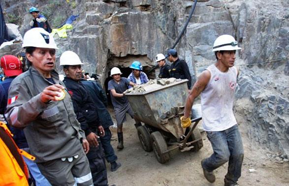 Mineros consiguen bono de productividad