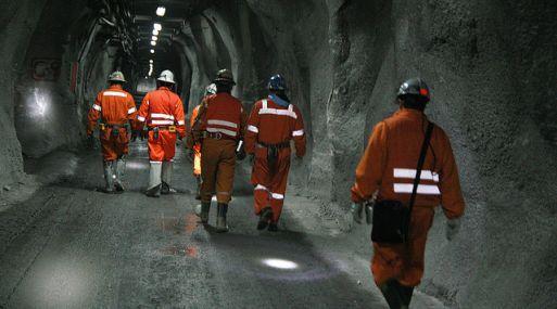 Mineros denuncian amenazas