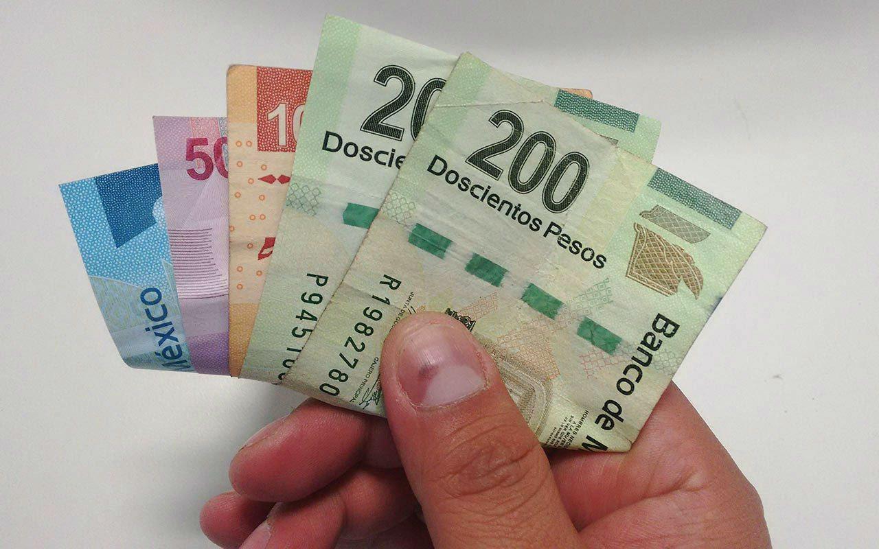 Morena propondrá elevar el salario mínimo a 108 pesos