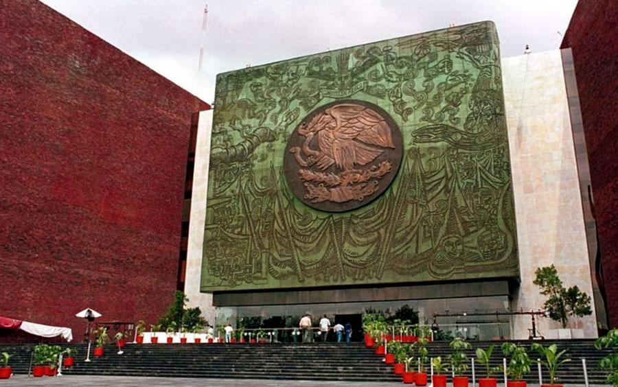 Morena recortará el 25% de las plazas laborales en la Cámara de Diputados