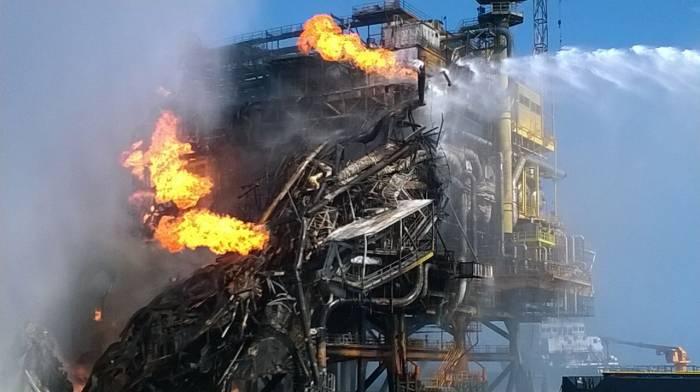 Mueren dos trabajadores en plataforma de Pemex