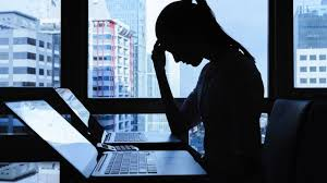 Mujeres de 18 a 30 años, las más afectadas por ciberacoso