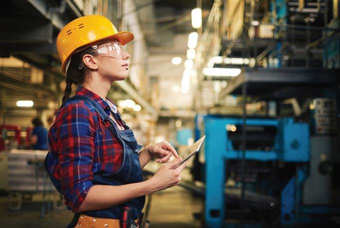Mujeres en emergencia laboral ante la automatización