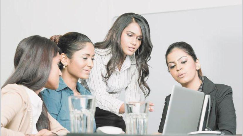 Mujeres, pilares económicos en las entidades del país