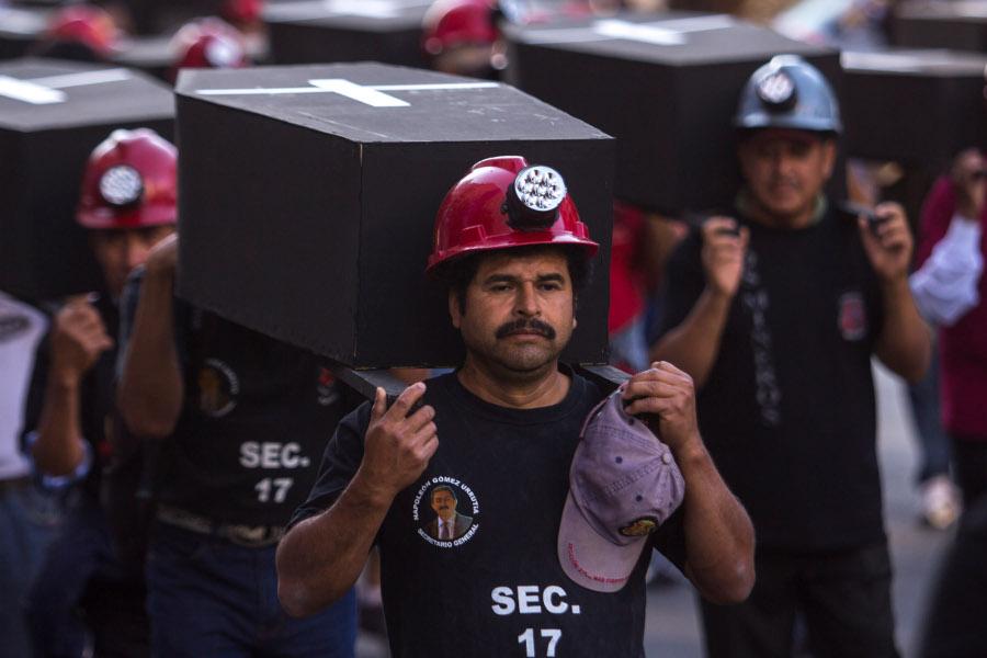 Napo exige rescatar condiciones laborales de mineros