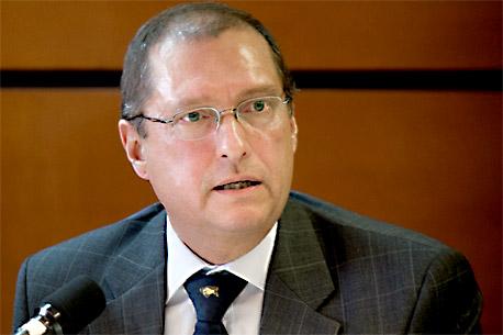 No se debe incluir tema salarial en TLC: Pérez Motta