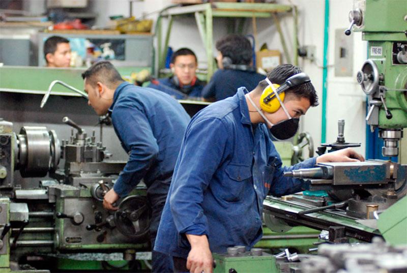 Nuevo León destaca en materia laboral