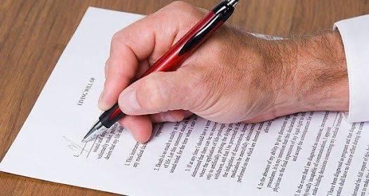 Obligan o falsean renuncia laboral