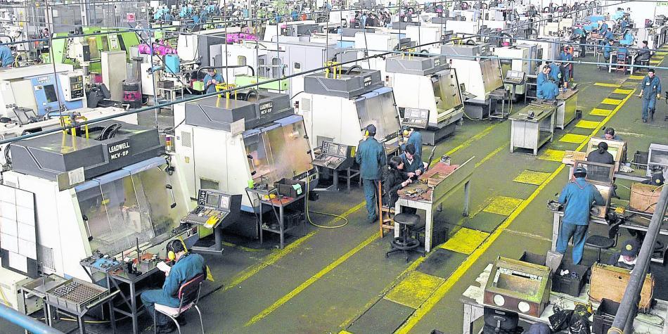 Observa IP mercado laboral precario