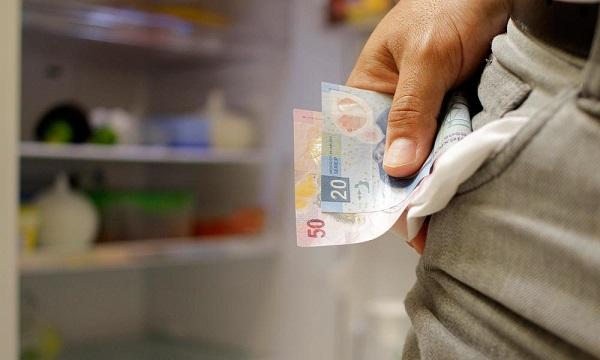 Organizaciones sociales proponen salario mínimo de 94 pesos diarios