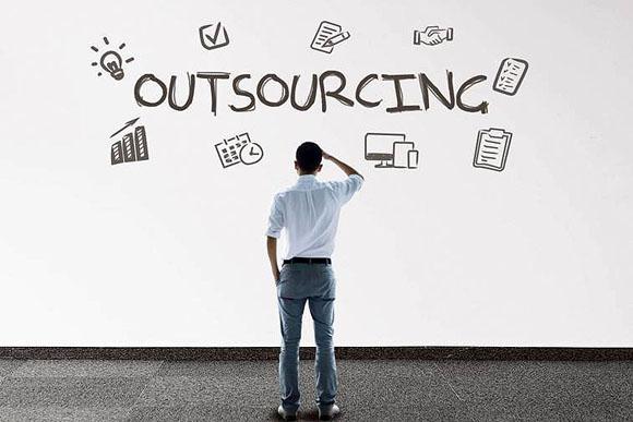 Outsourcing: en la mira de la 4T