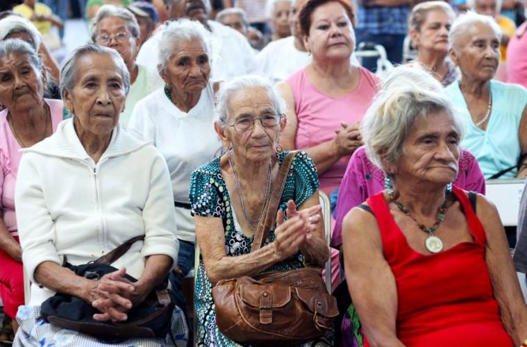 Pago de pensiones crecerá 0.9 puntos del PIB.