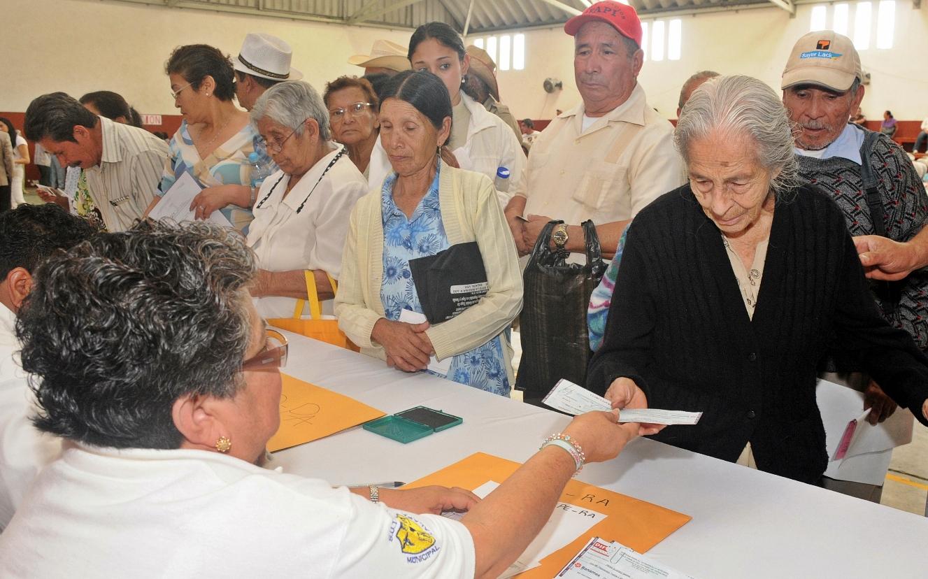 Pago de pensiones supera ingresos del IMSS e ISSSTE