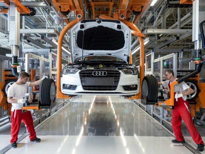 Paro técnico de trabajadores de Audi Puebla
