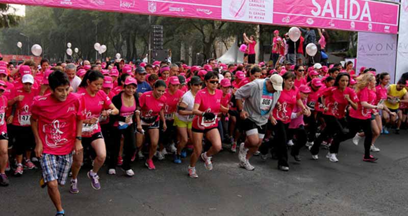 Participan 14 mil personas en carrera contra el cáncer de mama