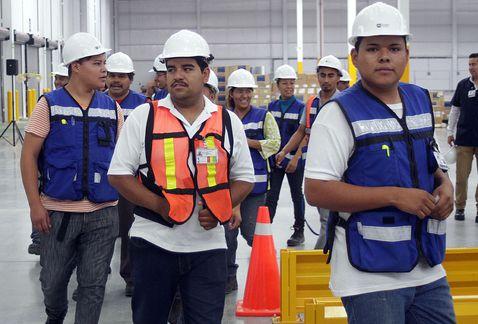 Pelean botín de más de 10 mil trabajadores