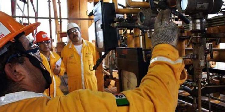 Pemex dejó de contratar más de 31 mil trabajadores en los últimos 5 años