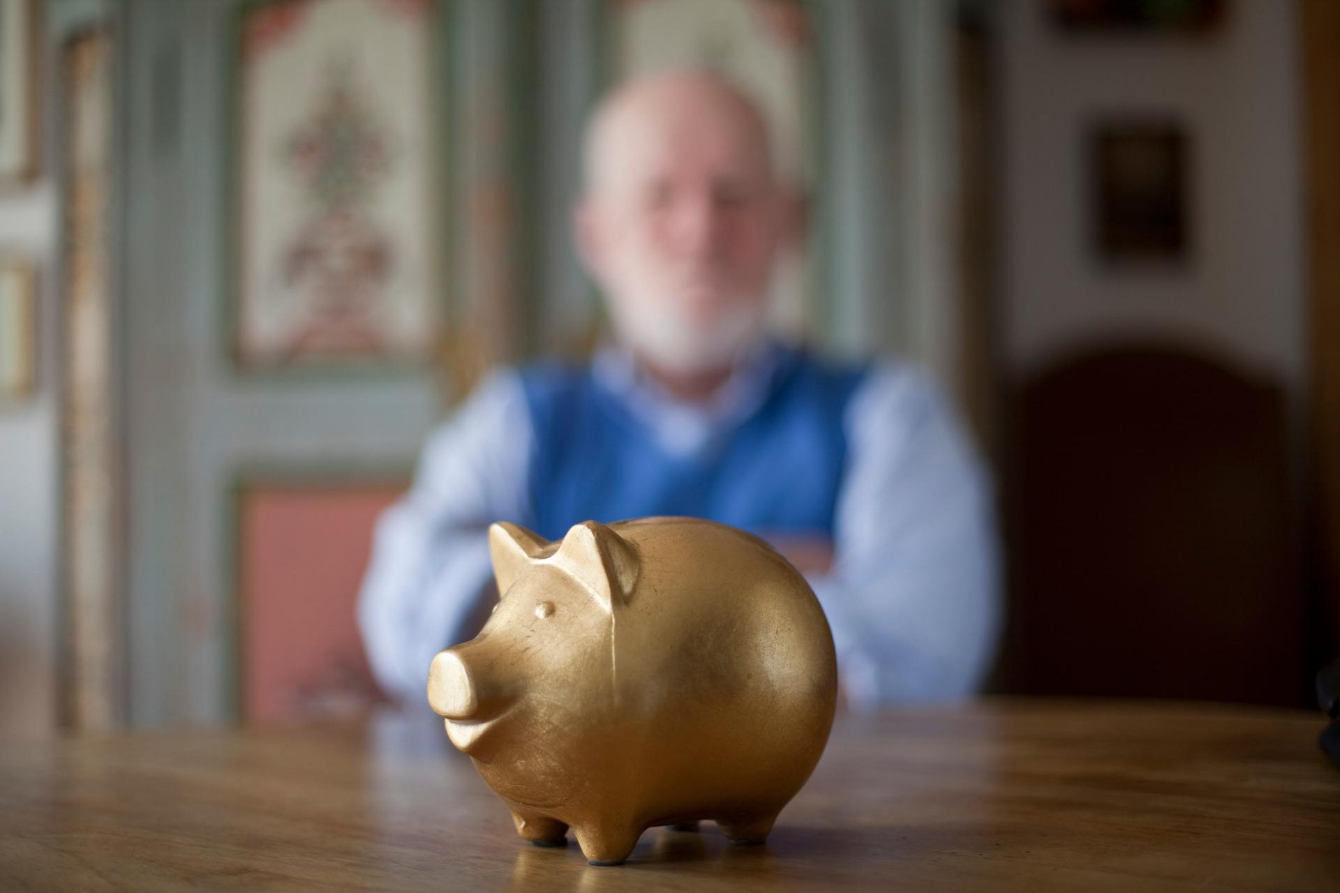 Pensión para ancianos subiría en 9 entidades