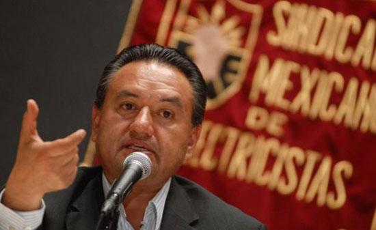 Piden a AMLO cabeza de Martín Esparza, líder del SME
