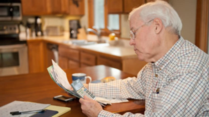 Piden garantizar  pensión a viudos o concubinarios