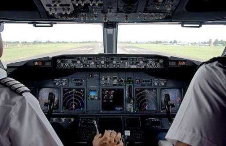 Piden pilotos de Aeroméxico mejora salarial