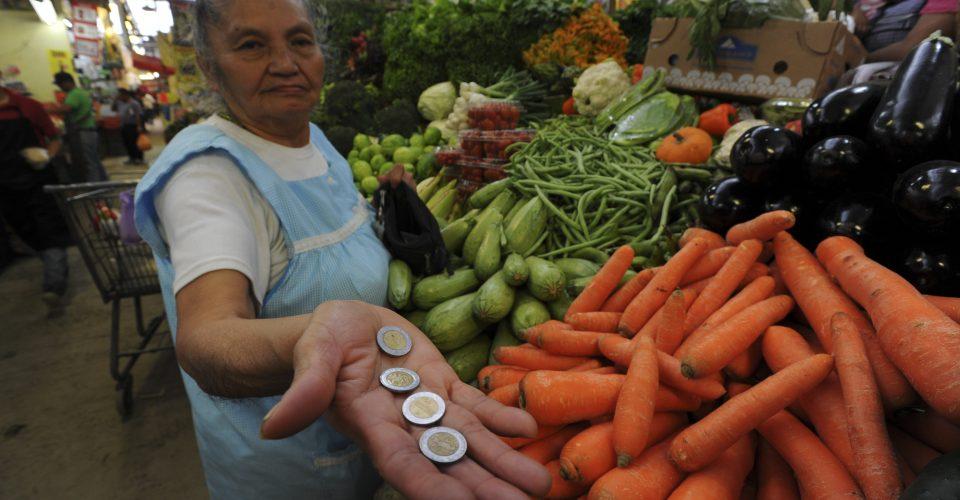 Plantea Coneval aumento constante de salario mínimo