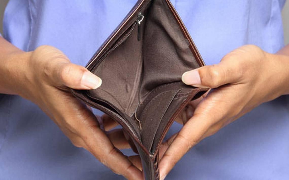 Población en pobreza laboral baja a 39.3% pese a aumento en precios: Coneval