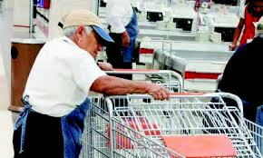 Pobreza obliga a jubilados a volver a trabajar