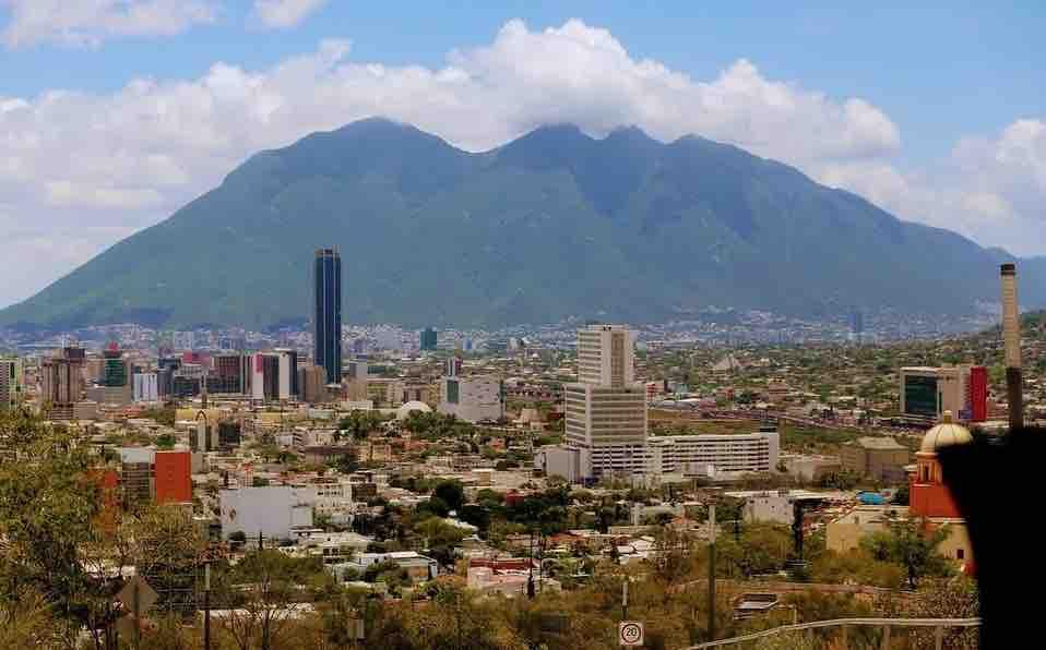 Por pandemia, caen 37% las ofertas de empleo en Nuevo León