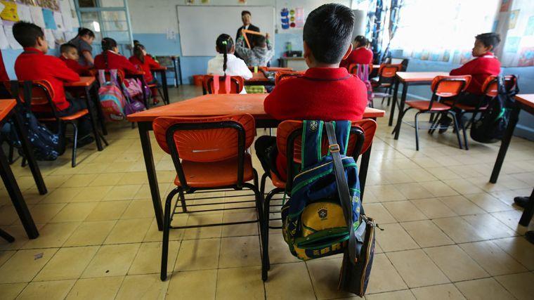 Por pobreza, 14.2% de los adolescentes deja escuela