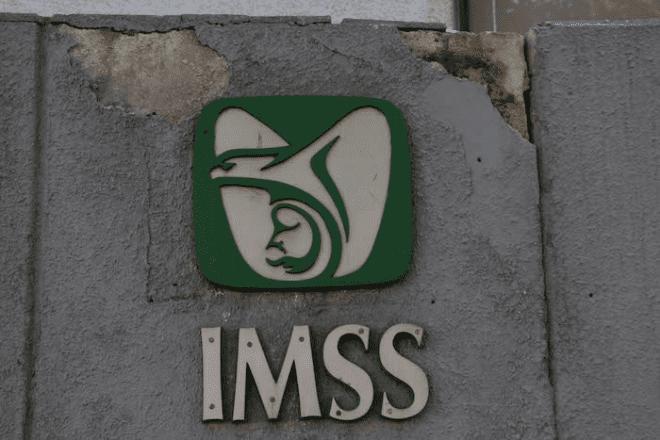 Por prácticas monopólicas, IMSS embarga laboratorios