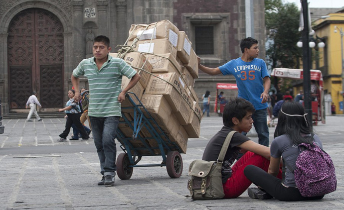 Precarización del empleo pone de mal humor al mexicano