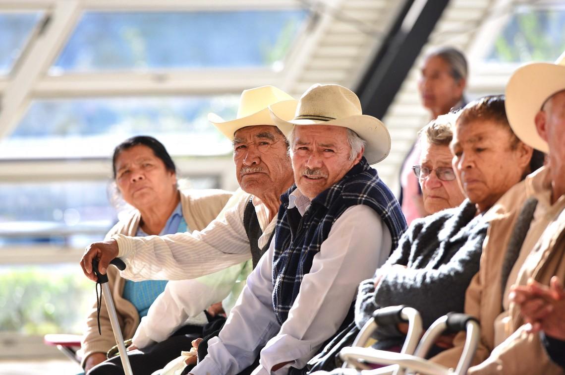 Presiona Amafore por elevar la edad de retiro a 67 años