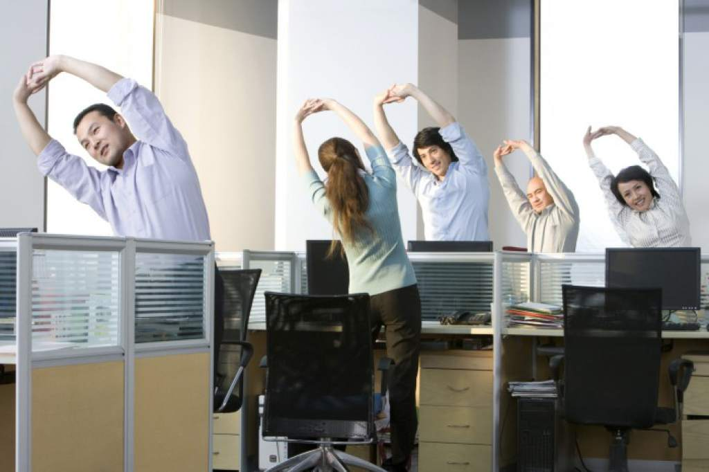 Pretende firma ejercitar a empleados en oficinas
