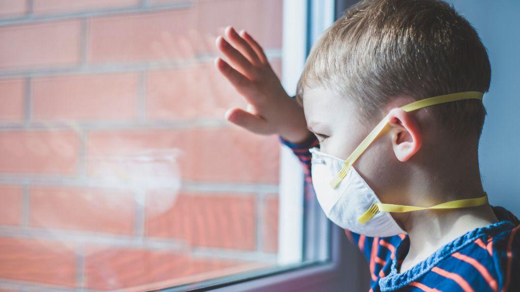 Primer niño contagiado, cierra la escuela: SEP