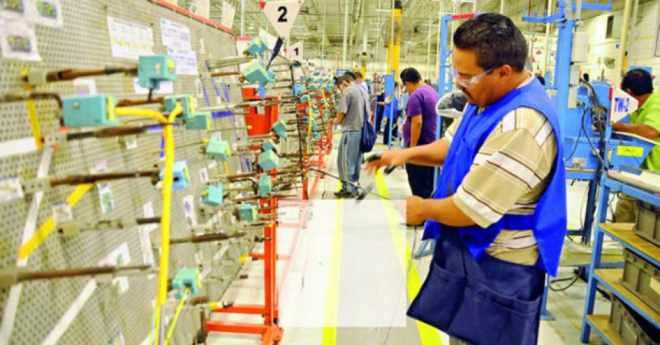 Productividad laboral suma 3 trimestres a la baja