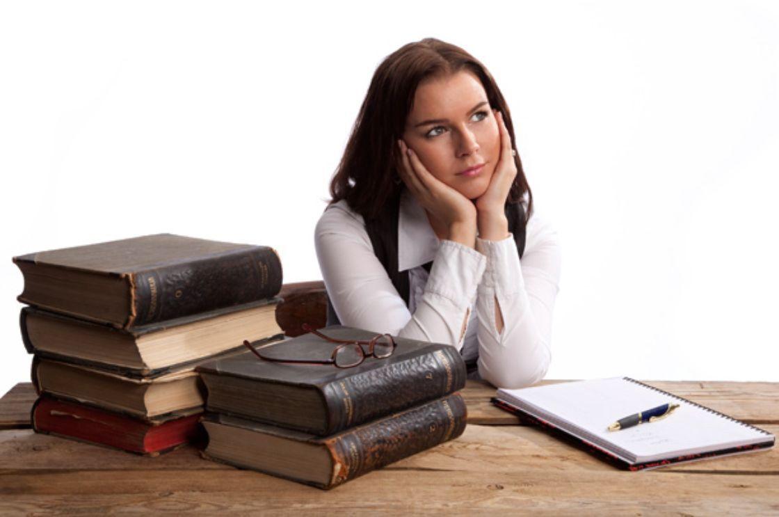 Profesionistas con postgrado ganan hasta 13% menos