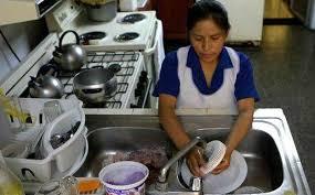 Proponen dar IMSS a empleadas domésticas