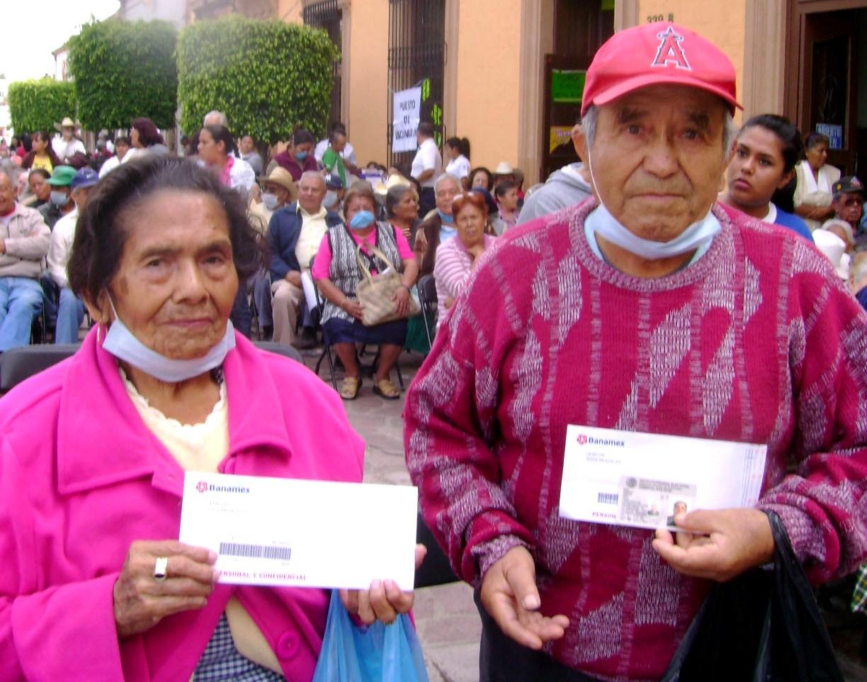 Proponen pensión de universal de 1,273 pesos para adultos mayores