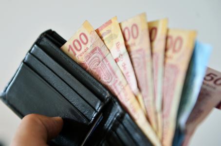 Proponen salario mínimo de 91 pesos diarios