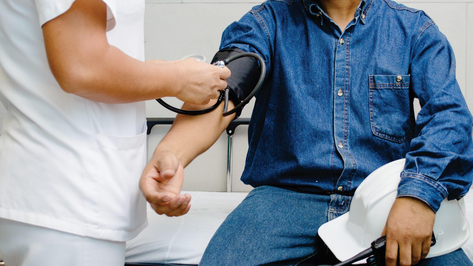 Proponen un día de sueldo para realizarse exámenes preventivos de salud