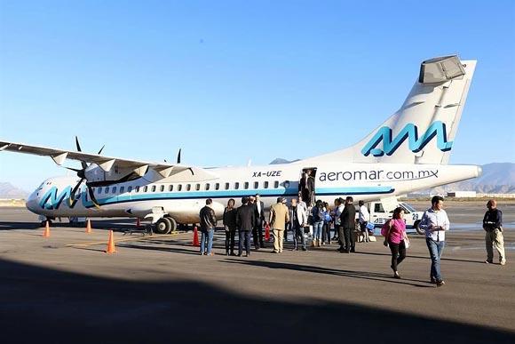 Protestan pilotos de Aeromar; volarán sin uniforme