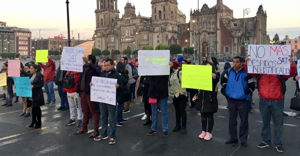 Protestas de empleados del SAT llegan a Palacio Nacional