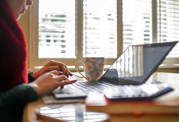 ¿Qué deben hacer los patrones ante las nuevas reglas para el home office?