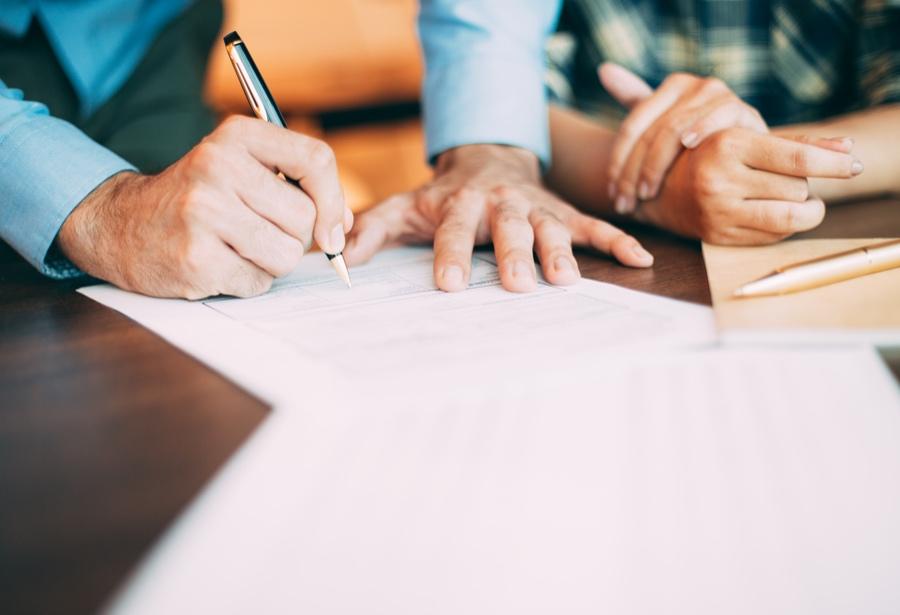 ¿Qué pasa si trabajador no firma acuerdo de reducción salarial por crisis?