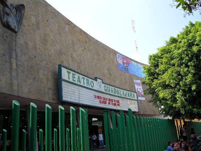 Reactivará 37 teatros como parte de las prestaciones