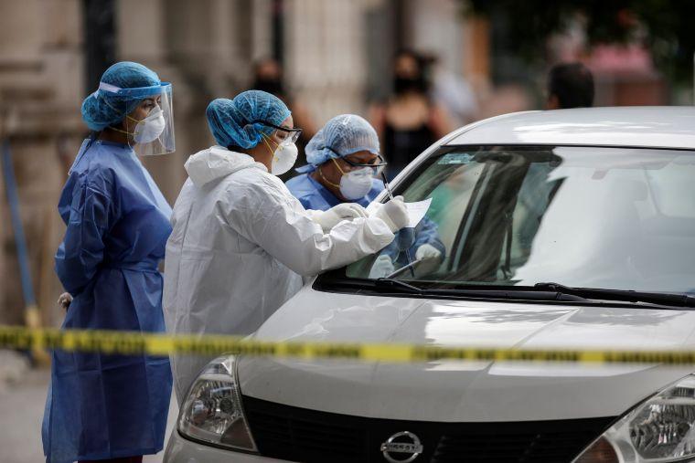 Rebasa México 208 mil casos confirmados