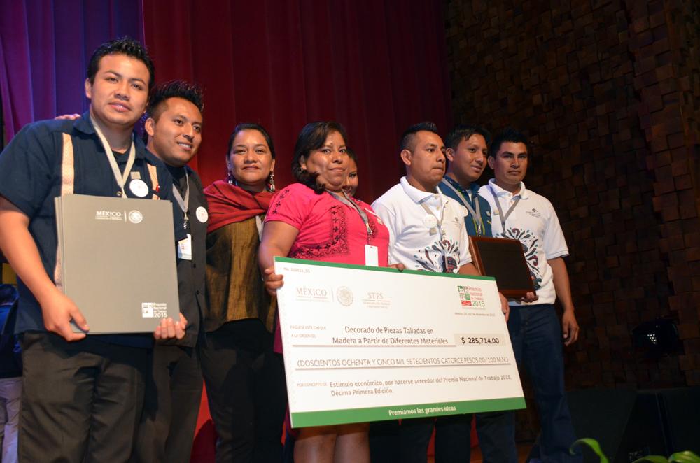 Reciben 13 proyectos de trabajadores el Premio Nacional del Trabajo