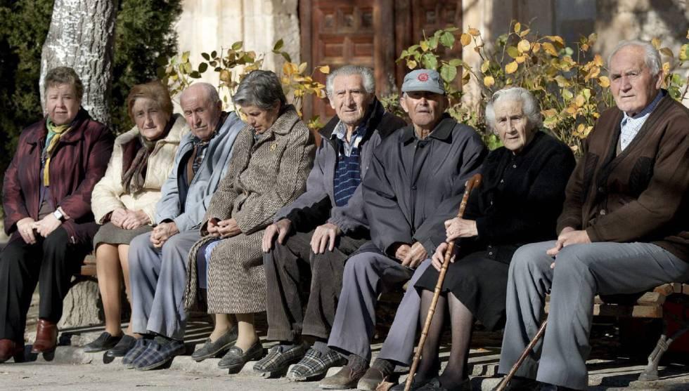 Reciben pensión dos de cada 10 ancianos