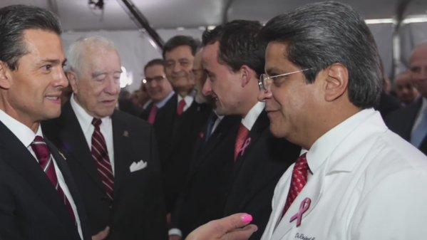 Reconoce EPN a médicos por su labor en pro de la salud